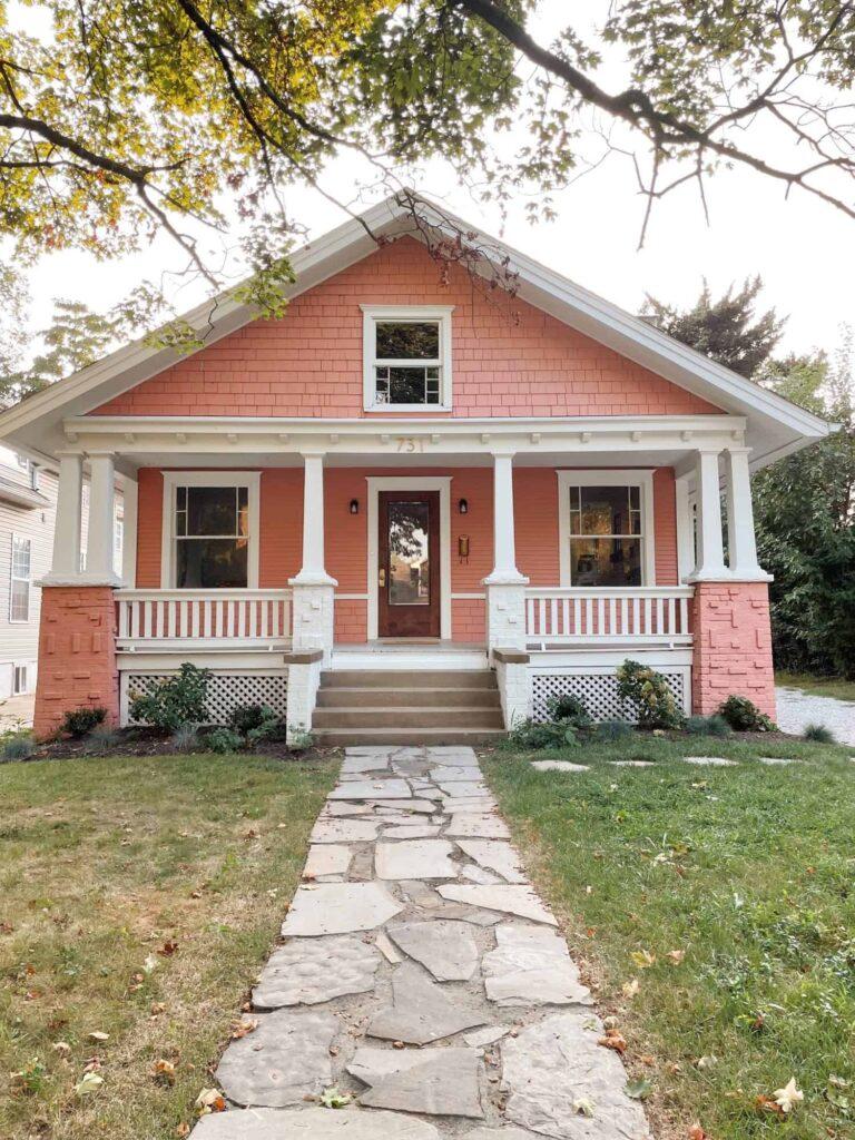 Episode #114: Elsie's Pink House