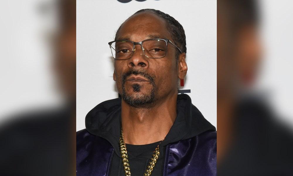 """Snoop Dogg Calls Out """"Bulls**t"""" Award Shows"""