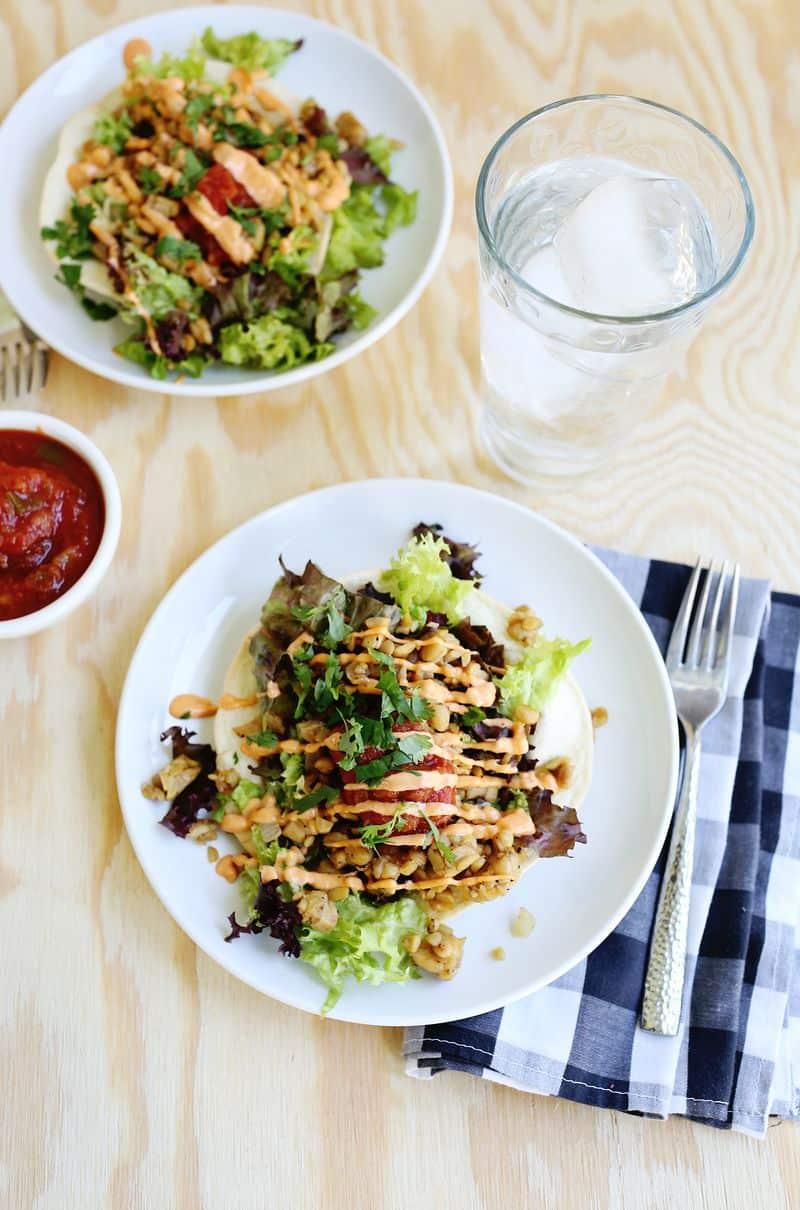 Spicy tempeh taco salad